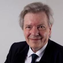 Prof. Dr. Bernd-Helmut Kroeplin